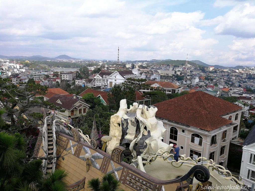 クレイジーハウスの高台からの眺め