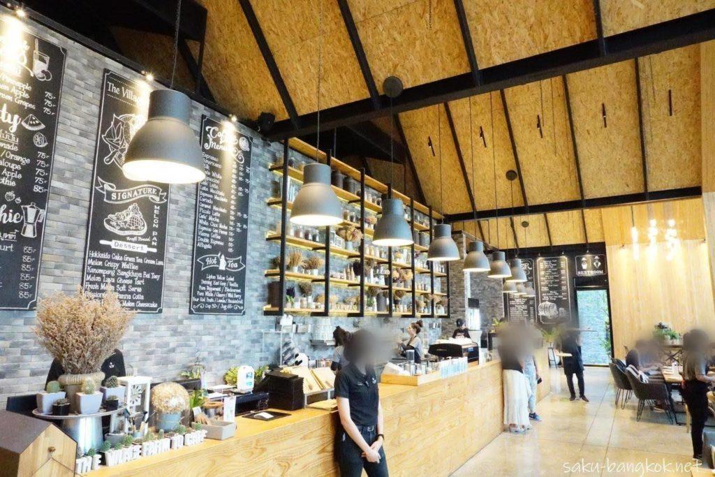 カンチャナブリーのカフェThe Village Farm To Cafe' 内装