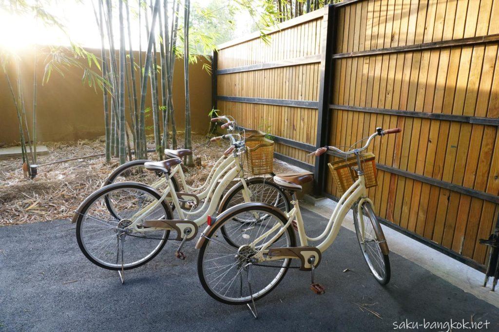 カンチャナブリーのカフェThe Village Farm To Cafe' レンタル自転車