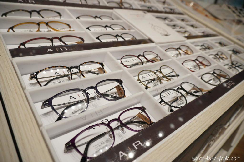 OWNDAYSドンキモール店のメガネのバリエーション