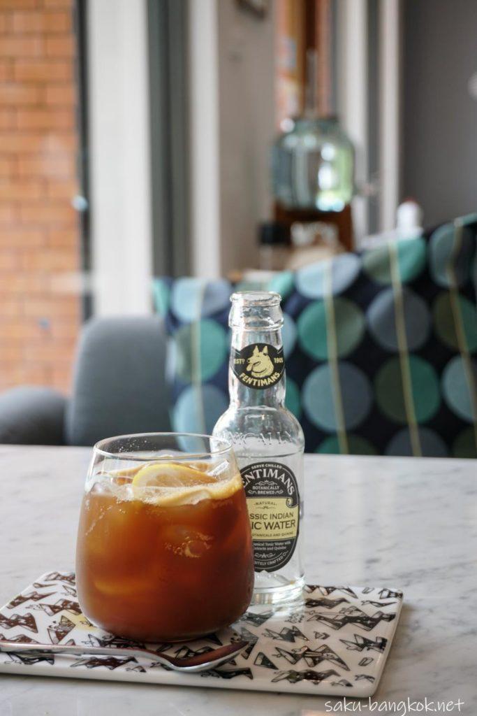 バンコク・トンブリー地区のカフェVacation ES-TONIC