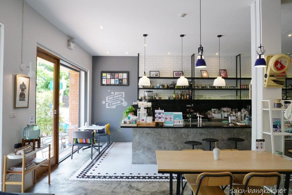 バンコク・トンブリー地区のカフェVacation タイトル画像