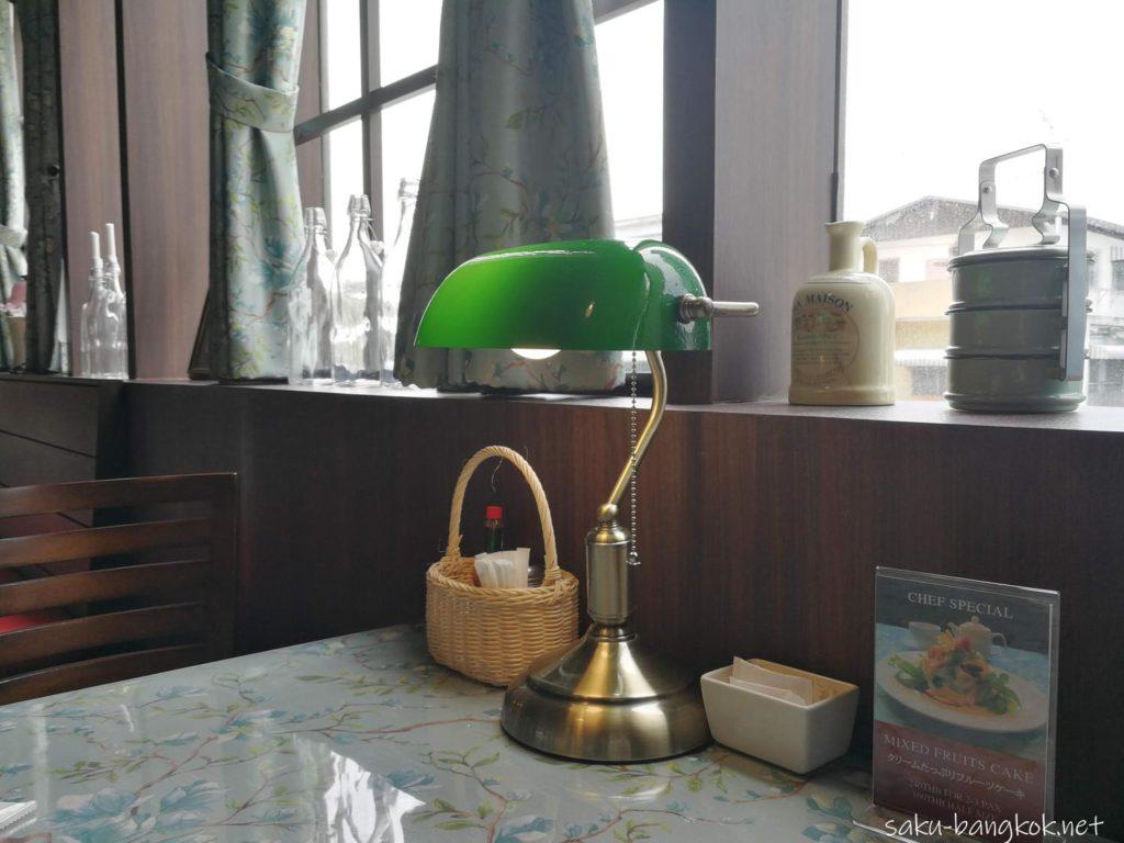 バンコクの洋食店 マ・メゾン(MA MAISON)のランプ