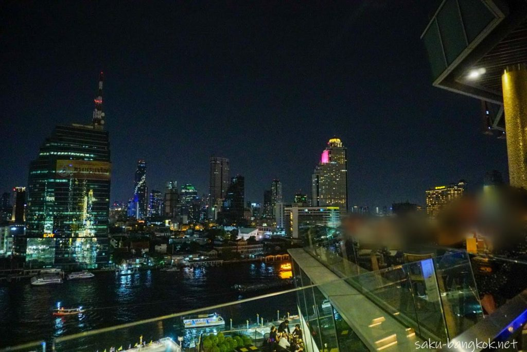 ICONSIAM6階のバー HOBSからの眺め