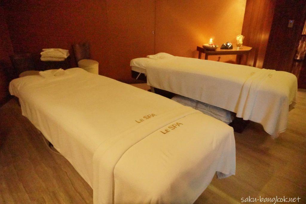 Le SPA with L'Occitaneのベッド
