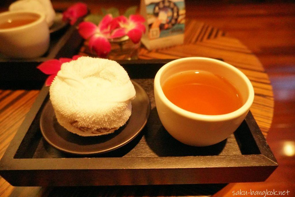 Le SPA with L'Occitane 受付時のお茶