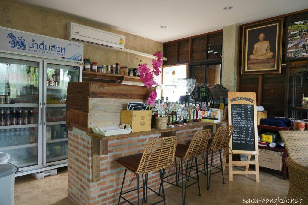 ブアカーオビレッジのカフェ
