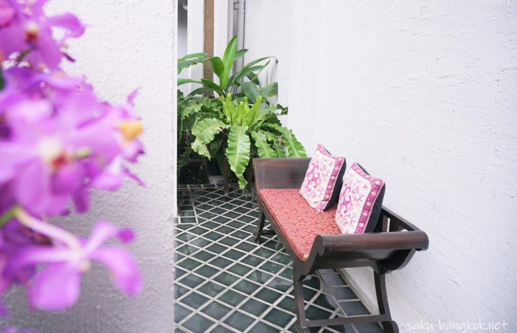 チェンマイのスパ【Zira Spa】に飾られた蘭の花