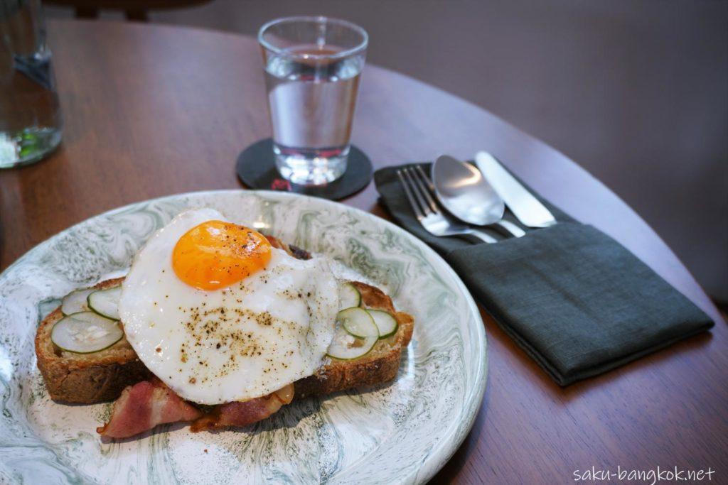 H Breakfast 280THB+(約1,080円)