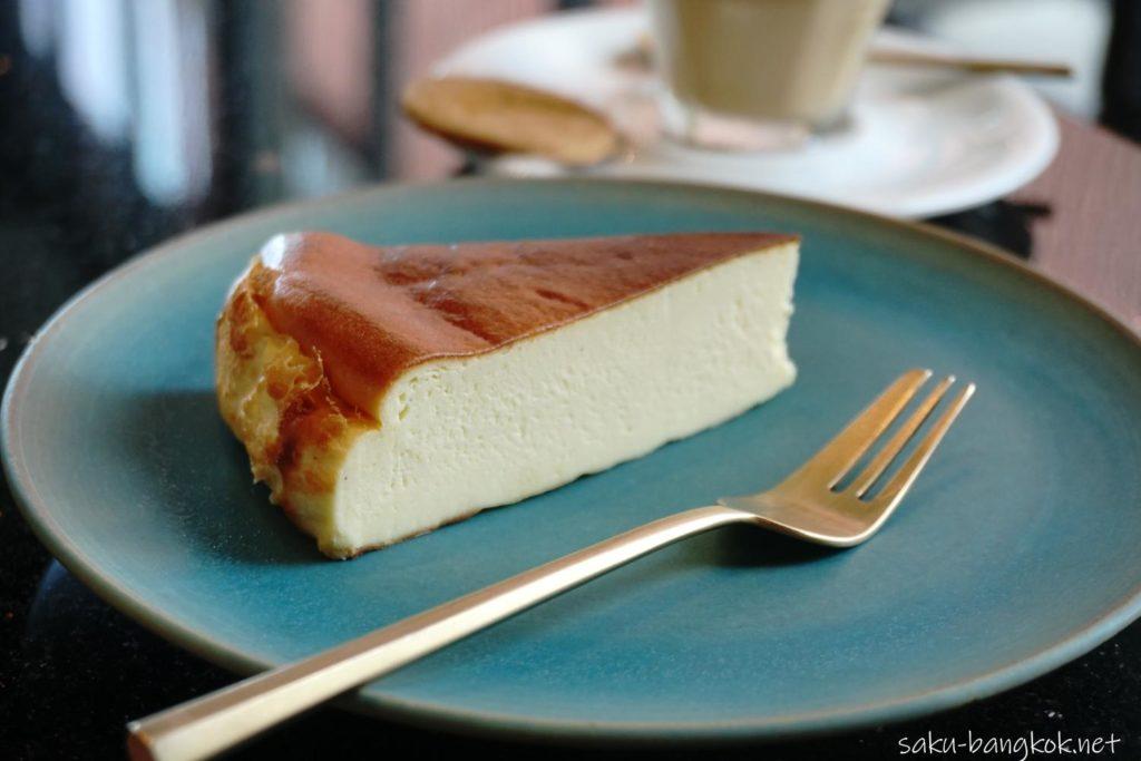 チーズケーキが美味しいバンコクのカフェ KAIZEN COFFEE