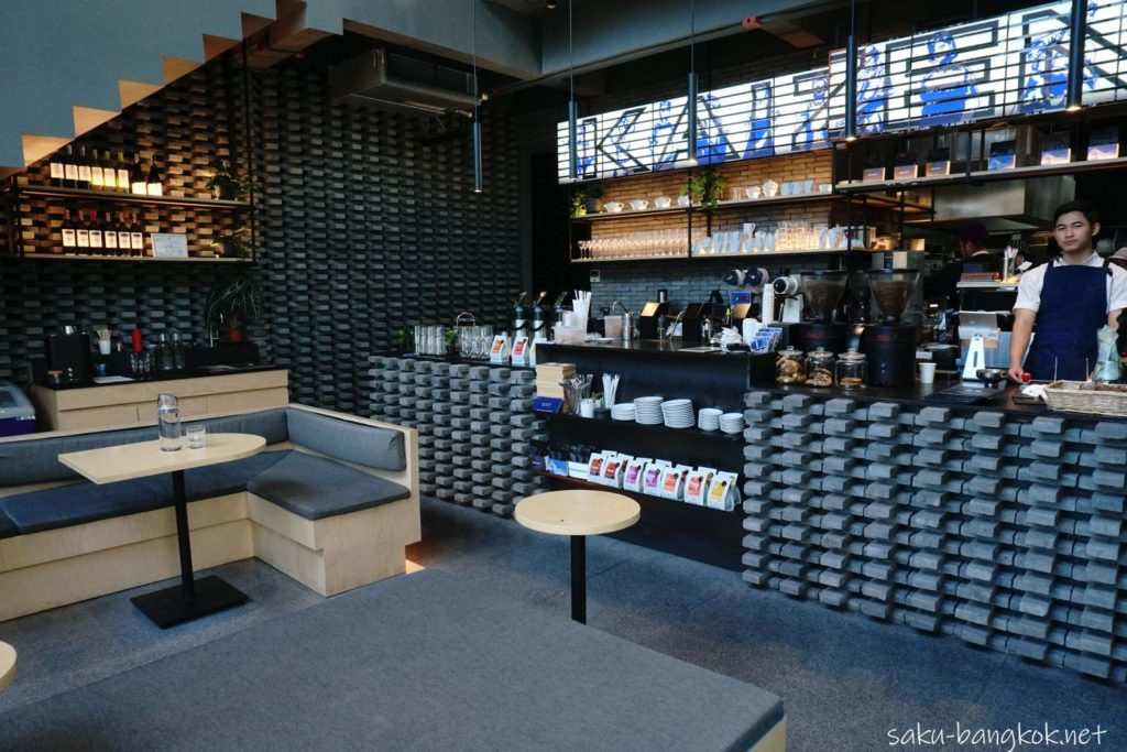 バンコクのカフェ【Kaizen Coffee】の1階
