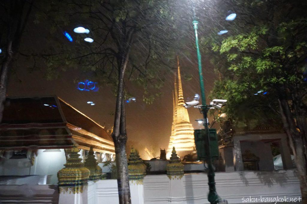 バンコク・タイバスフードツアーの夜景