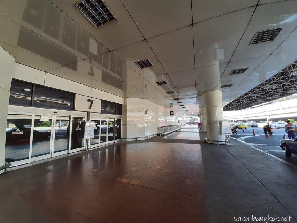ドンムアン空港⇔バンコク市内の空港バス[A1,A2,A3,A4] A1バスのドンムアン空港の到着場所