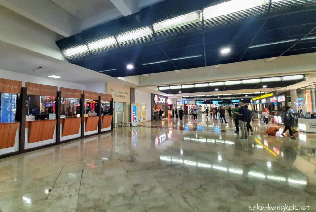 ジャカルタ・スカルノハッタ空港[国際線]ターミナル2 到着ロビー