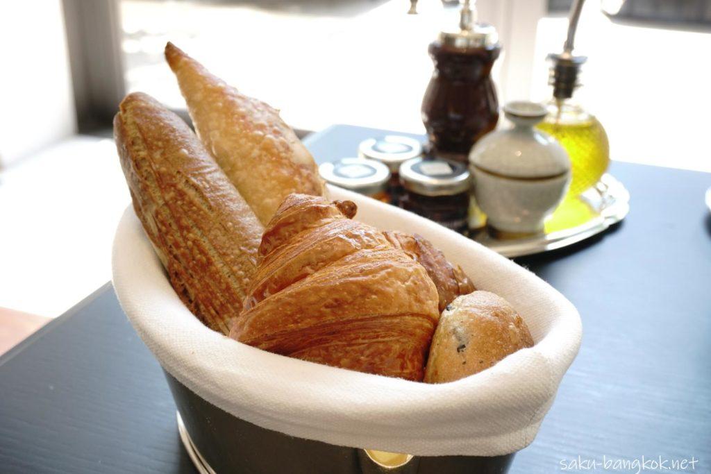 ローズウッドバンコクのサンデーブランチ(パン)