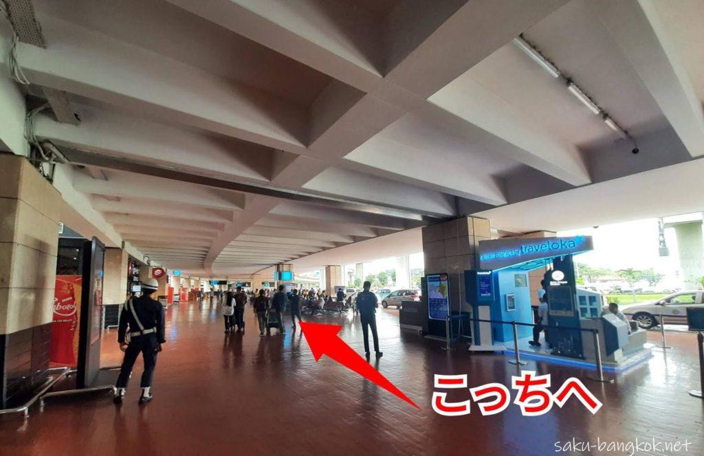 ジャカルタ・スカルノハッタ空港[国際線]ターミナル2 到着ロビーからグラブ乗り場へ行く方法