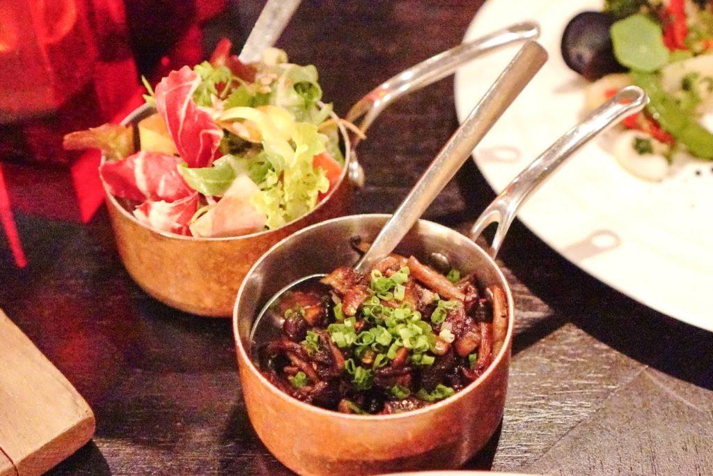 バンコクマリオットホテルスクンビット内のステーキハウス【The District Grill Room & Bar】ステーキの付け合せ