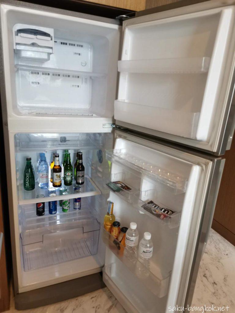 マリオット エグゼクティブ アパートメンツ バンコク スクンビット トンローの部屋(冷蔵庫)