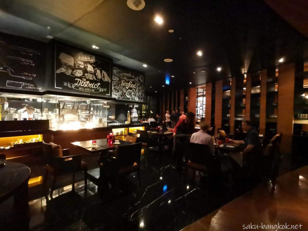 バンコクマリオットホテルスクンビット内のステーキハウス【The District Grill Room & Bar】の内装
