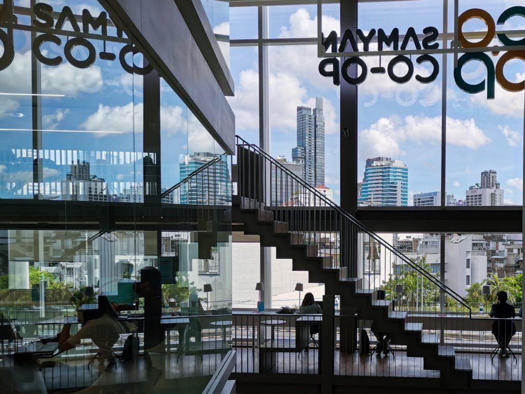 無料&24H営業のコワーキングスペース@バンコク・サムヤーンミットタウン