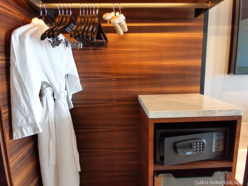 【ホテルレビュー】バンコク・マリオット・ホテル・ザ・スリウォンのクローゼット
