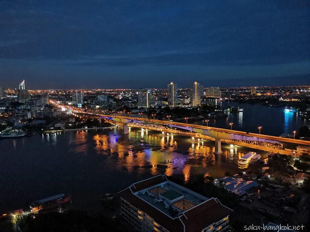 【SEEN】バンコク・チャオプラヤー川沿い最高の景色のルーフトップバー