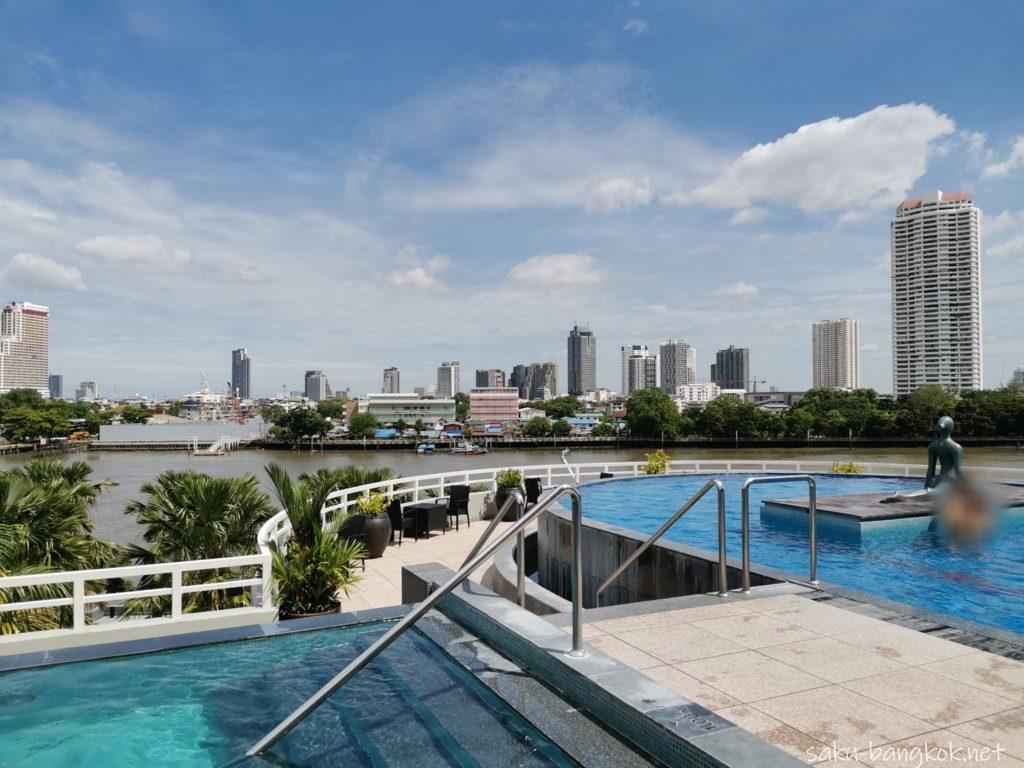 バンコク・チャオプラヤー川沿いコスパ抜群5つ星ホテル【チャトリウム ホテル リバーサイド バンコク】のプール
