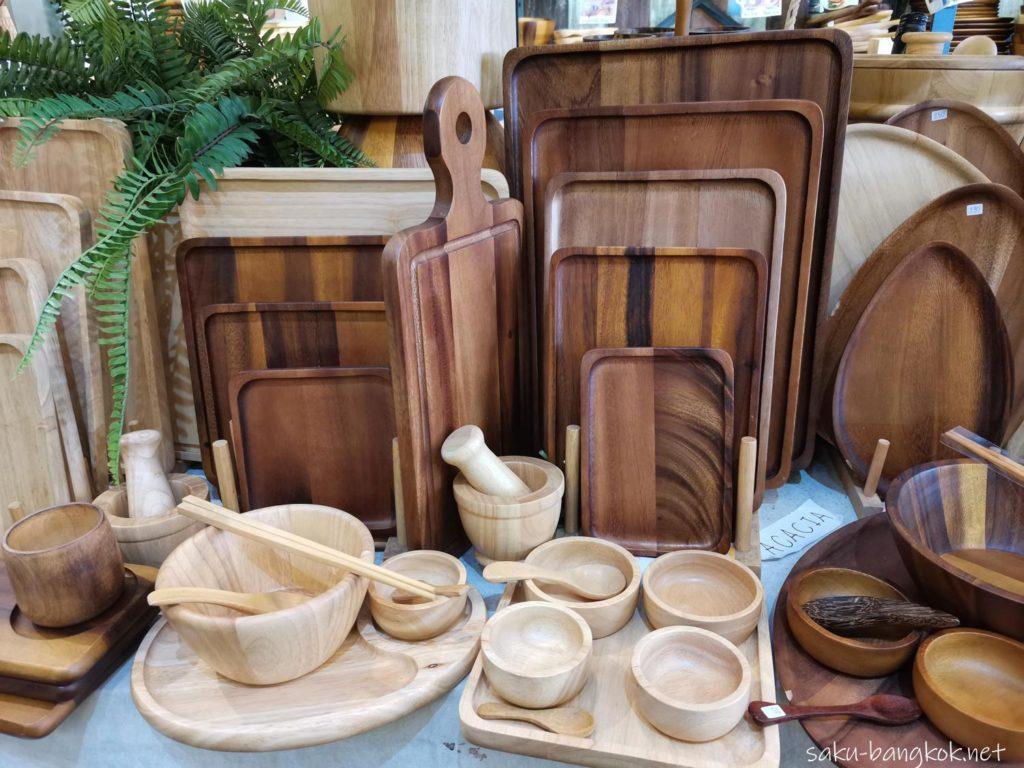 バンコク・チャトゥチャックウィークエンドマーケット2020 木製食器